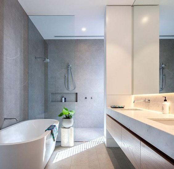 Μεσαίο Μπάνιο DELUXE
