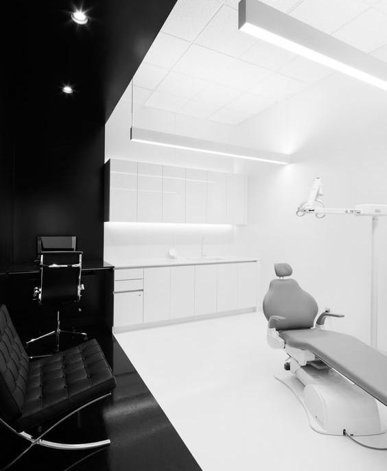 Black & White Χώρος Εξέτασης